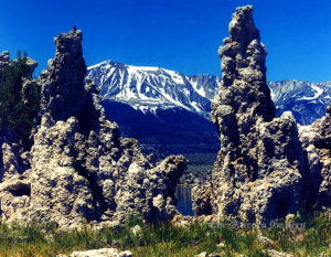 Tufas and the Sierra Nevada Range, Mono Lake, California